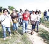 Familiares de desaparecidos ingresan a fosa de Arbolillo