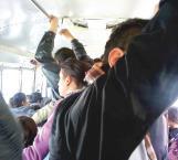 Reclaman urgente transporte escolar