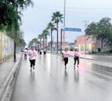 Ni el frío ni la lluvia detienen carrera contra el cáncer 1K Y 5K