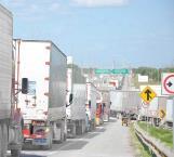 Falla en sistema operativo de revisión causa en Puente Pharr congestionamiento