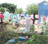 Sobrepoblación de tumbas no importó a los visitantes