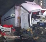 Suman 8 muertos por volcadura en la México-Toluca