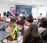 Entregan reconocimiento a Juan Gilberto Banda por sus 50 años de periodista