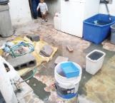 Casi los ahoga fuga de aguas negras en casa