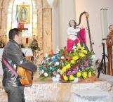 Pide sacerdote componer temas que hablen de Dios,  y buenas costumbres