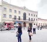 Evacuan presidencia por supuesta granada