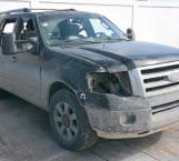 Localizan camioneta usada en balacera de San Valentín