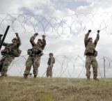 Retiran a militares