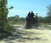 Atacan a los estatales; aseguran 3 camionetas