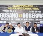 Promueve alcalde pelea de box por  título mundial