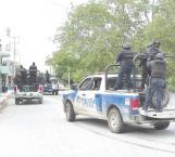 Aseguran camioneta en persecución y balacera
