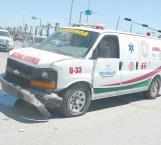 Por ganarle el paso a ambulancia provoca un choque