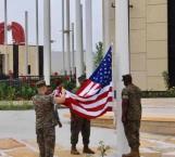 Marines de EU izan bandera en el Consulado de Matamoros