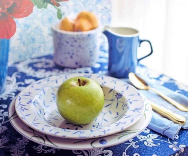 Incluye manzanas en el desayuno