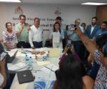 Gana candidata del PAN tras conteo voto por voto