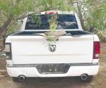 Abandonan dos vehículos con blindaje artesanal en una brecha del pueblo