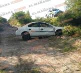 Abandonan auto tras volcar en Viaducto Reynosa