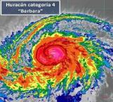 Huracán 'Barbara' escala a categoría 4