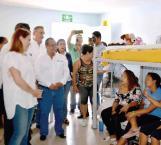 Visita albergue 'Senda de Vida' Mariana Gómez de García Cabeza de Vaca como presidenta del DIF