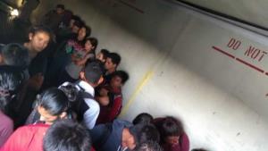 Transportaban a 220 centroamericanos en caja de tráiler