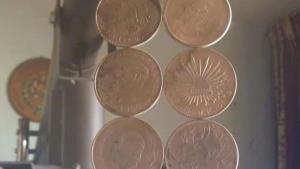 Defraudan con falsas monedas de plata