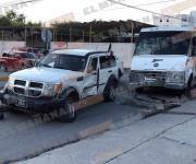 Lesionadas madre e hija en accidente automovilístico