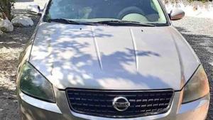Recuperan auto robado; detienen a una pareja