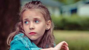 ¿Cómo ayudar a un niño que se siente rechazado?