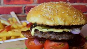 Alimentos que los niños deben moderar para evitar la obesidad