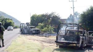 Matan 13 policías y dejan 9 heridos