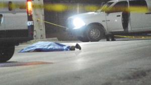 Hallan cadáver tirado en carretera a Río Bravo