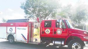 Salvan a gato de casa incendiada