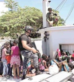 Haitianos retan a Gendarmería
