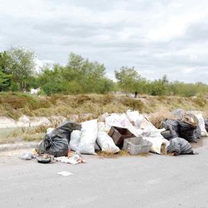 Acumulan basura sacada del Rodhe