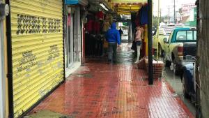 Paralizaron frío y lluvias actividad comercial