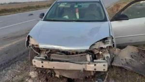 Choca auto en carretera Río Bravo-Reynosa a altura del Rastro