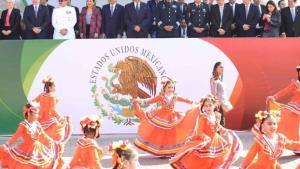 Encabeza el gobernador en Nuevo Laredo desfile de la Revolución Mexicana