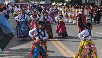 Realizan tradicional desfile de la Revolución