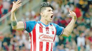 ¡Alan pulido, transferible en las Chivas!