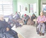 Devoran zancudos abuelitos del asilo