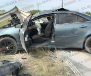 Deja accidente carretero daños cuantiosos; responsable huye