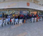 'Les sacan sillitas…'; siguen las filas para pagar Predial