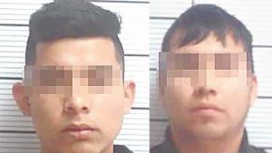 Arrestan a dos por drogarse en la calle