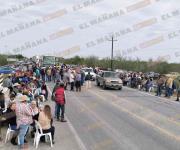 Bloquean campesinos carretera Victoria-Matamoros