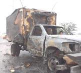 Arde camión en plena marcha