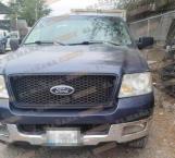 Denuncia ciudadano abandono de una camioneta; era robada