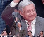 Ofrece AMLO enfrentar con empresarios y sindicatos el problema de las pensiones