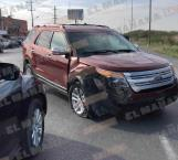 Protagonizan accidente Ford Explorer y una Nissan