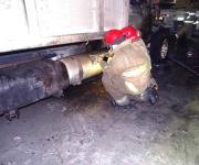 Arde camión y truena tanque de gas en Su Kasa