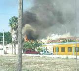 Voraz incendio en centro habitacional